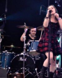 Zespół rockowy podczas koncertu